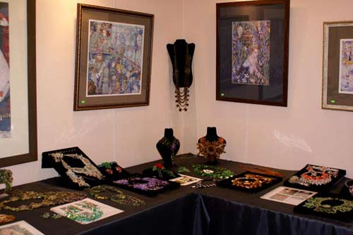 beaded jewelry exhibition, beads, bead works